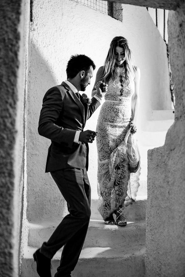 romantic-summer-wedding-idyllic-santorini_12x