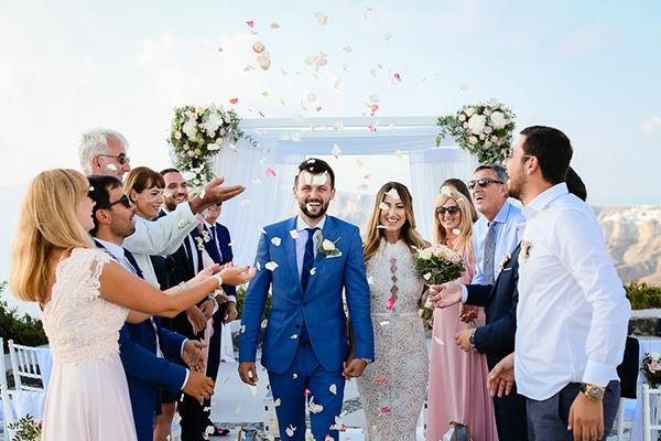romantic-summer-wedding-idyllic-santorini_19
