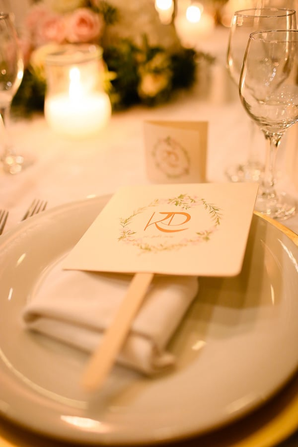 romantic-summer-wedding-idyllic-santorini_24