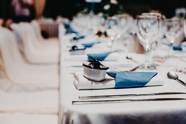 gorgeous-fall-wedding-corfu-blue-white-details_07