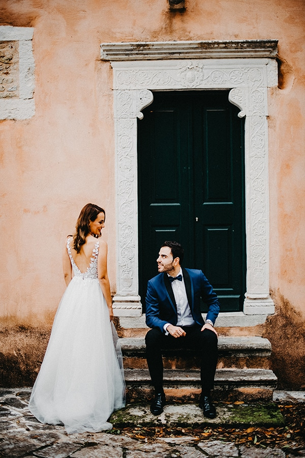 gorgeous-fall-wedding-corfu-blue-white-details_12