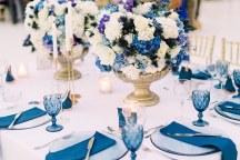 Ξεχωριστο table scape σε μπλε αποχρωσεις