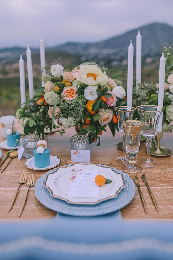 dreamy-elegant-styled-shoot-orange-hues_28