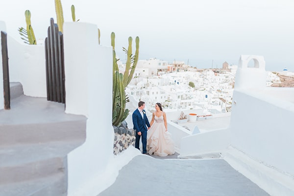 gorgeous-intimate-wedding-santorini_02