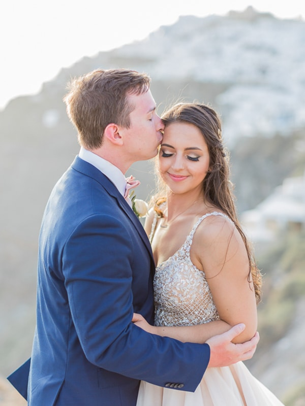 gorgeous-intimate-wedding-santorini_23