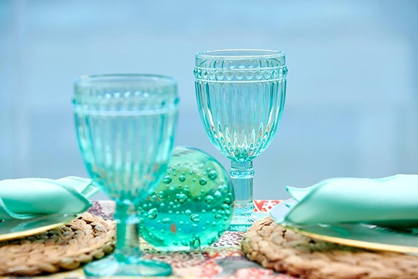 modern-clear-tableware-bright-mint-hues_05
