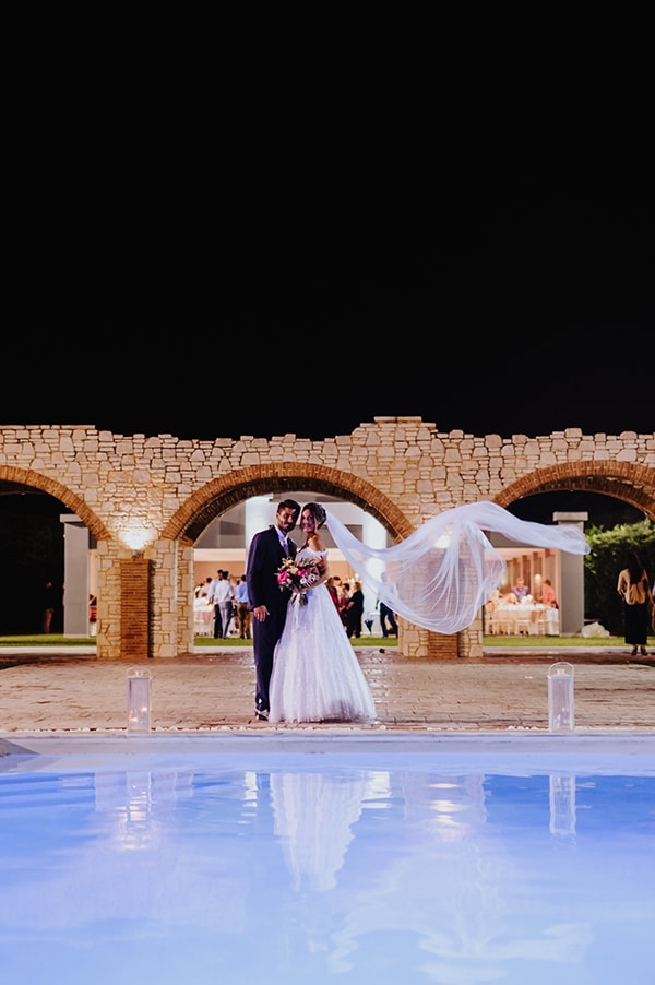 romantic-summer-wedding-athens-beautiful-flower-design_26x