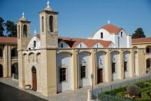 Εκκλησια στο Μετοχι