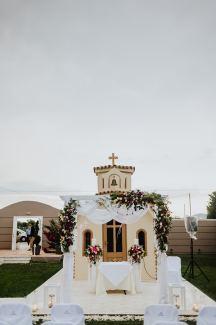Εκκλησακι Αγιου Κωνσταντινου και Ελενης