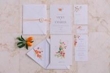 Προσκλησεις γαμου με πορτοκαλι λεπτομερειες
