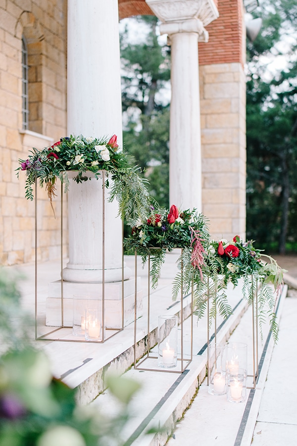christmas-wedding-athens-burgundy-hues_18