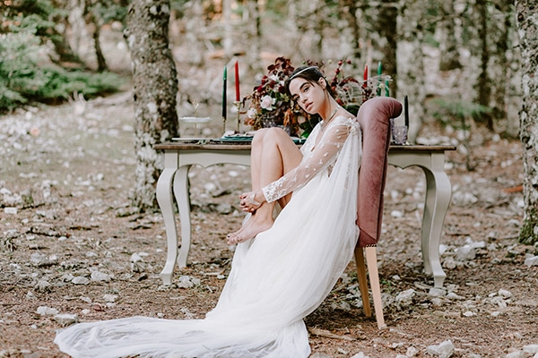 dreamy-fall-styled-shoot-woods-warm-color-tones_01
