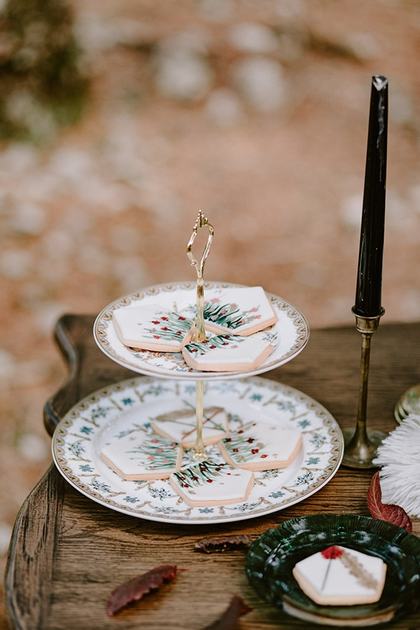 dreamy-fall-styled-shoot-woods-warm-color-tones_24