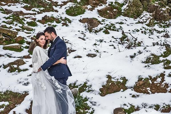 elegant-winter-wedding-tinos-olive-gold-details_01