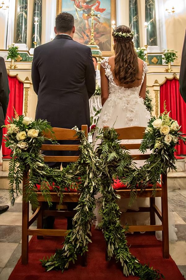 elegant-winter-wedding-tinos-olive-gold-details_17