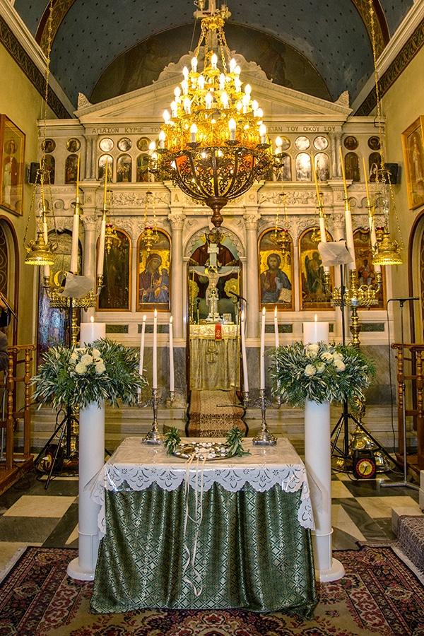 elegant-winter-wedding-tinos-olive-gold-details_18