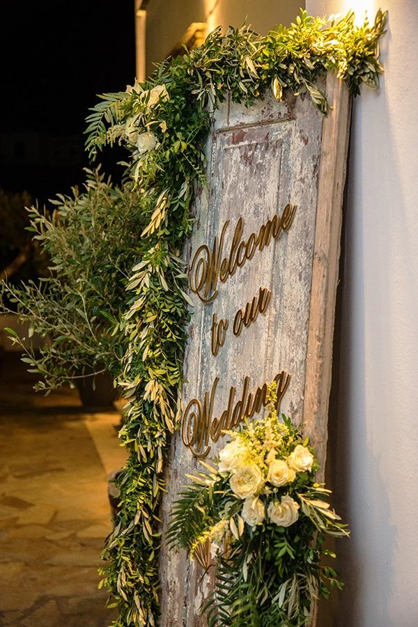 elegant-winter-wedding-tinos-olive-gold-details_24