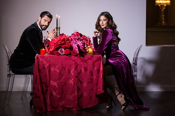 luxurious-elegant-christmas-styled-shoot-burgundy-hues_18