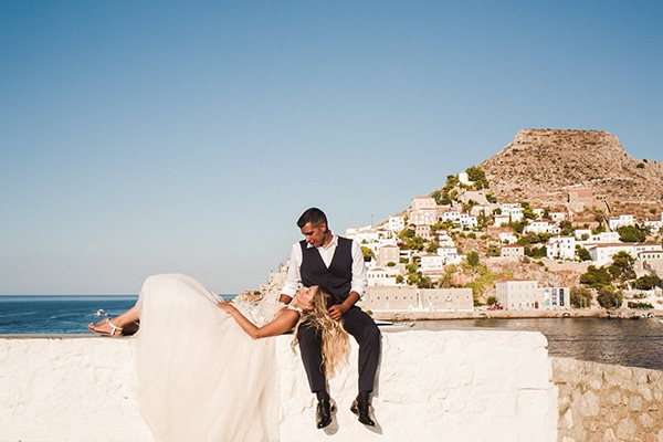 romantic-summer-wedding-athens-roses-coral-hues_15x