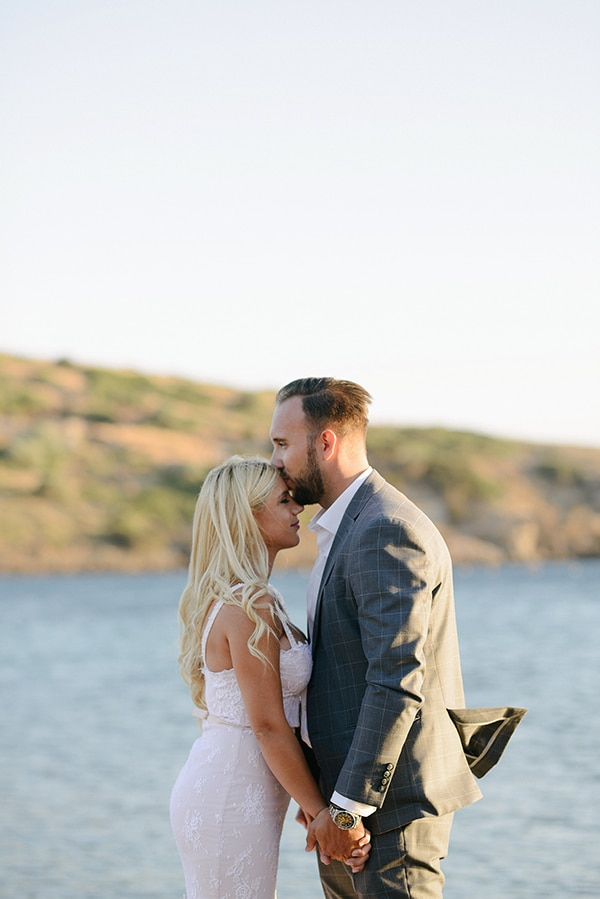 romantic-wedding-athens-peach-white-hues_03