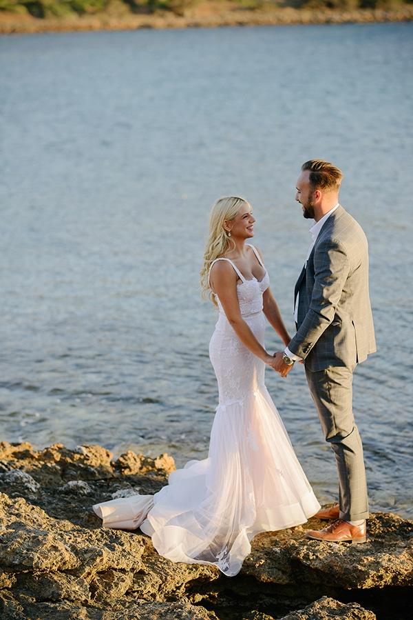 romantic-wedding-athens-peach-white-hues_04