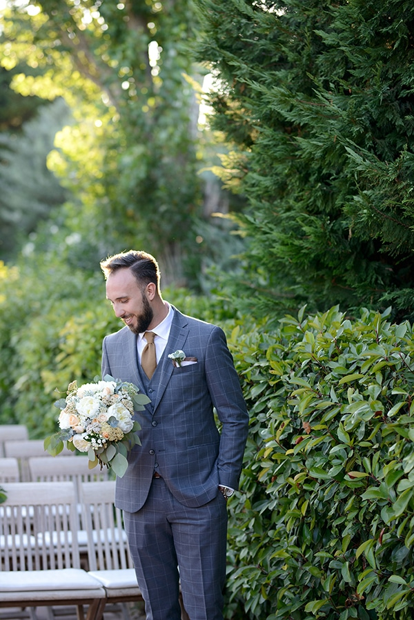 romantic-wedding-athens-peach-white-hues_17