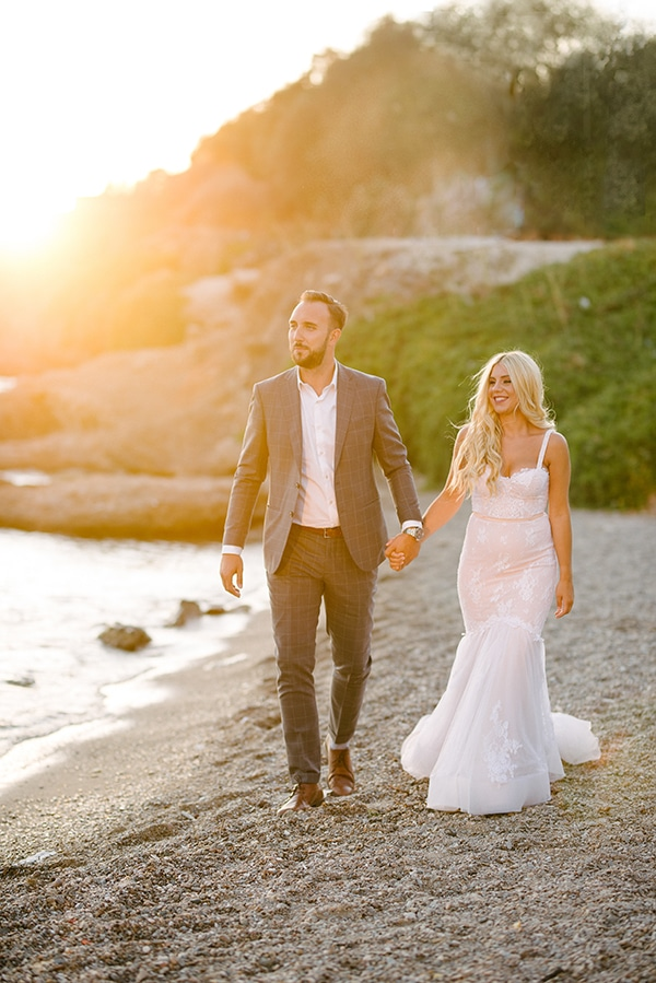 romantic-wedding-athens-peach-white-hues_35