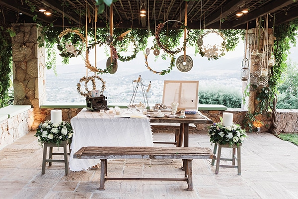 summer-wedding-laas-greenery-white-flowers_26