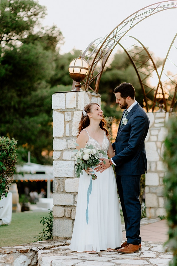 fairytale-summer-wedding-athens-lush-greenry-fairylights_19