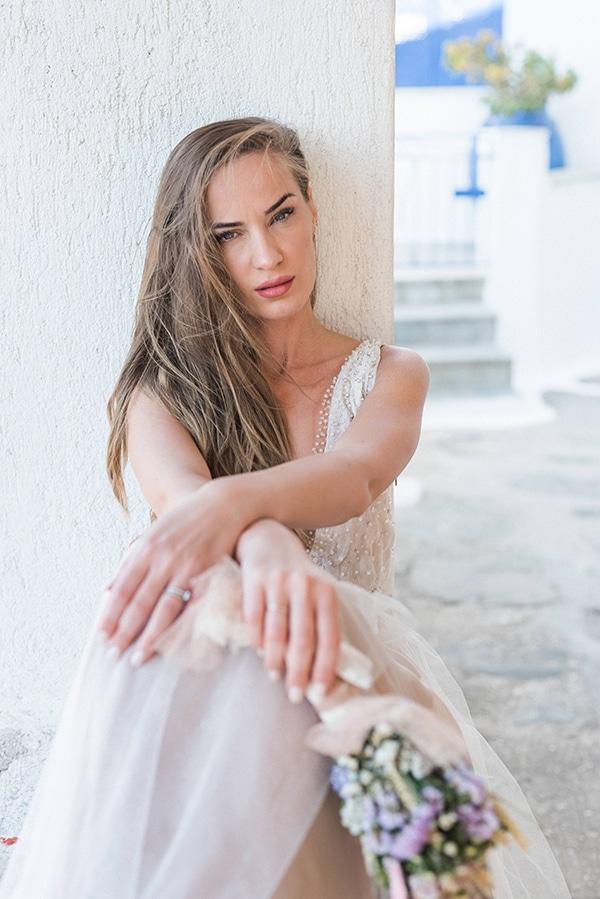 summer-wedding-kea-island-backdrop-endless-blue-sea_02