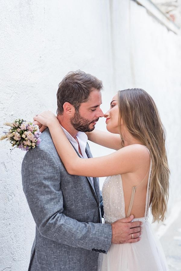 summer-wedding-kea-island-backdrop-endless-blue-sea_02x