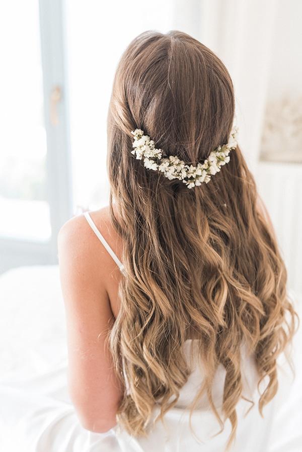 summer-wedding-kea-island-backdrop-endless-blue-sea_07