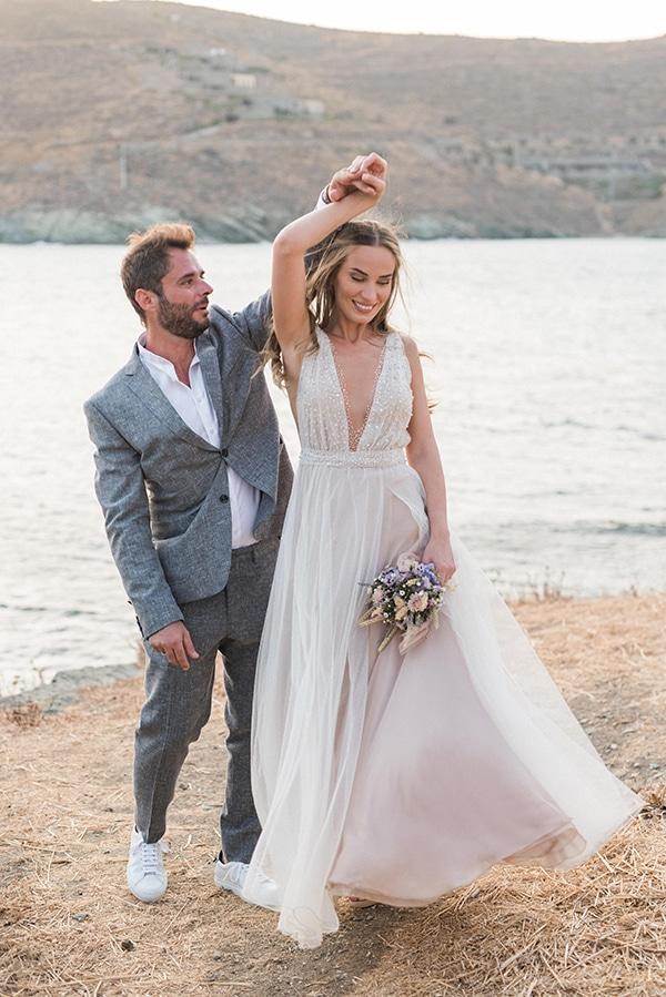 summer-wedding-kea-island-backdrop-endless-blue-sea_20x