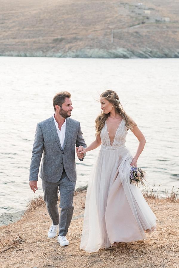 summer-wedding-kea-island-backdrop-endless-blue-sea_21