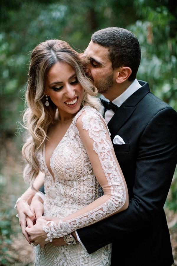 romantic-elegant-fall-wedding-nicosia-white-flowers-greenery_03x