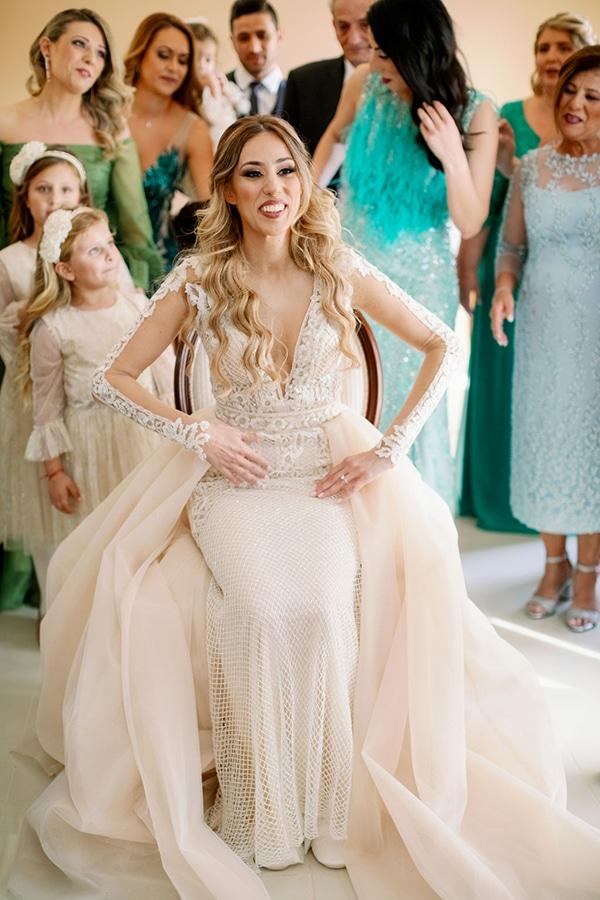 romantic-elegant-fall-wedding-nicosia-white-flowers-greenery_10
