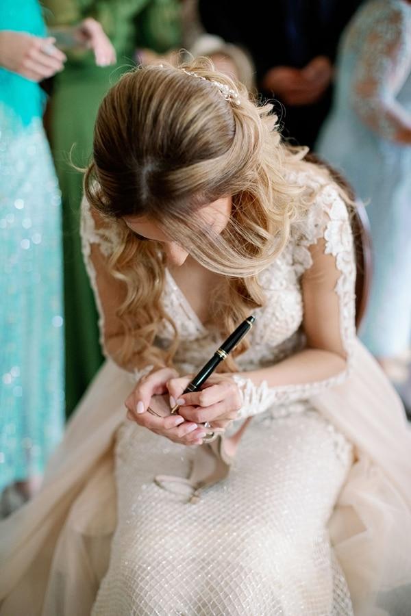 romantic-elegant-fall-wedding-nicosia-white-flowers-greenery_13