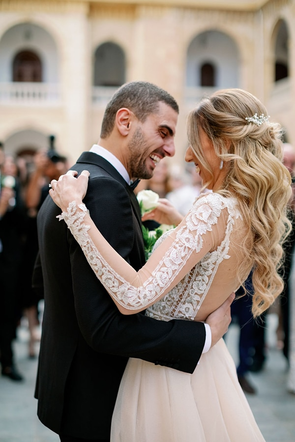 romantic-elegant-fall-wedding-nicosia-white-flowers-greenery_20x
