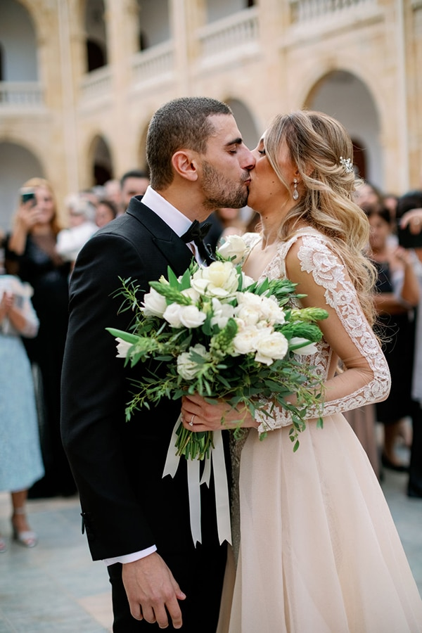 romantic-elegant-fall-wedding-nicosia-white-flowers-greenery_21