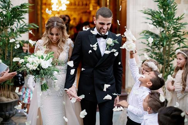 romantic-elegant-fall-wedding-nicosia-white-flowers-greenery_26z