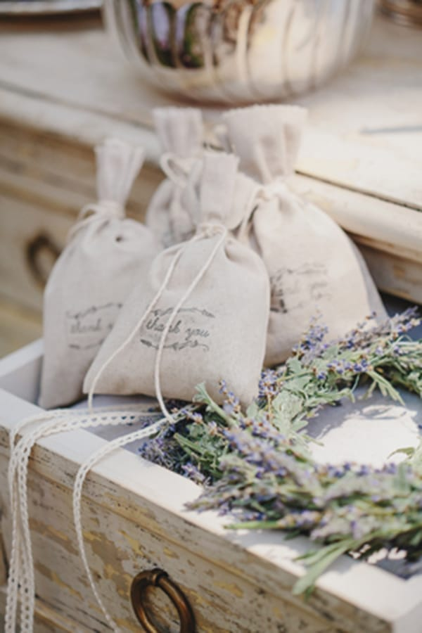 gorgeous-favors-with-lavender_03.