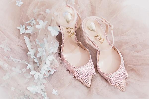 Τα πιο ομορφα νυφικα παπουτσια - Love4Weddings b72358d3e9a