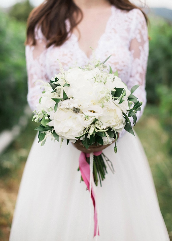the-most-beautiful-white-bridal-bouquets_01.