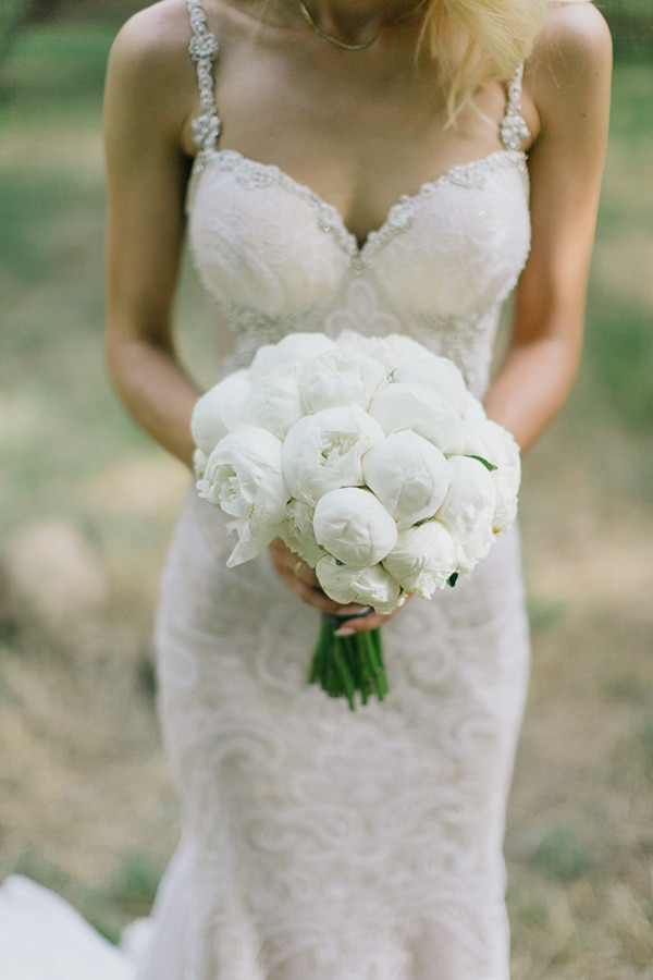 the-most-beautiful-white-bridal-bouquets_06.